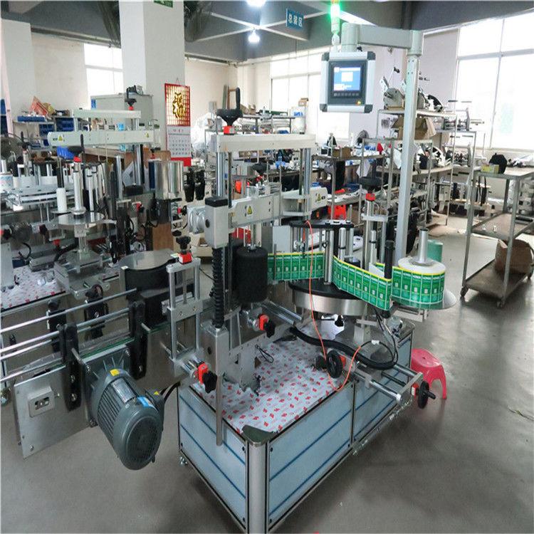 Stroj za etiketiranje kvadratnih steklenic z avtomatskim aplikatorjem nalepk